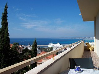 Le Panoramic, Nice - wonderful view, 1 bedroom, large balcony, private garage - Nice vacation rentals
