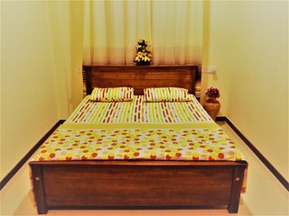 Romantic 1 bedroom Condo in Negombo - Negombo vacation rentals