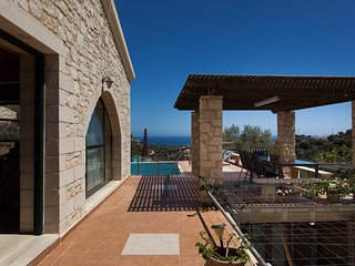 Nice 4 bedroom Villa in Kato Stalos - Kato Stalos vacation rentals
