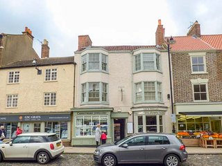 ANGEL APARTMENT 3, town centre, above bistro, good touring base in Stokesley Ref 944170 - Stokesley vacation rentals