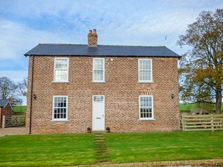 FOREMAN'S HOUSE, detached, woodburning stove, gardens with barbecue - Bridlington vacation rentals