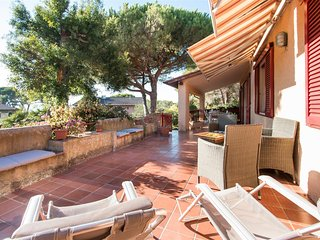 Villa Giol?: Terrazza Apartment near the beach in the bay from Portoferraio - Portoferraio vacation rentals