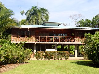 2 bedroom House with Internet Access in Bocas Town - Bocas Town vacation rentals
