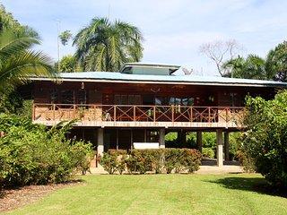 Oceanfront Home in Big Creek, Bocas del Toro - Bocas Town vacation rentals