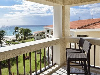 Oceanfront Center Penthouse with pool 2 bedroom in Xaman Ha (Xh7208) 35% off - Playa del Carmen vacation rentals