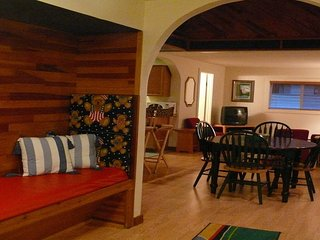 Chalet at Alexander's 1 mile from Mt Rainier entrance (Breakfast Included) - Ashford vacation rentals