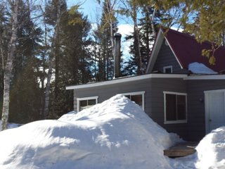 Beautiful 3 bedroom Cottage in Sainte-Marguerite-du-Lac-Masson - Sainte-Marguerite-du-Lac-Masson vacation rentals