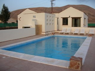 Nice Villa with Satellite Or Cable TV and Private Outdoor Pool - Villaverde vacation rentals