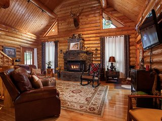 Bright 6 bedroom House in Keystone - Keystone vacation rentals