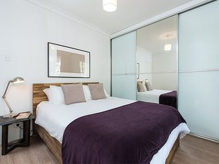Great Value For Your Holiday's 9km's To City - Neutral Bay vacation rentals