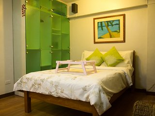 Alabang relaxing and homey West Parc Cedar - Muntinlupa vacation rentals