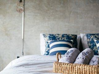 Cozy room, beach 5 min walk, sunset view, Vassani Stay #5 - Canggu vacation rentals