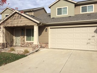 Beautiful twin home with two car attached garage in Southeast Sioux Falls, SD - Sioux Falls vacation rentals
