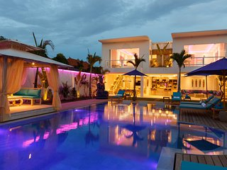 8 BEDROOM HIGH LUXURY PROPERTY,  2 HUGE PRIVATE POOLS - Seminyak vacation rentals