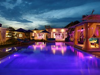 THE HUGEST VILLA with the HUGEST PRIVATE POOL - Seminyak vacation rentals