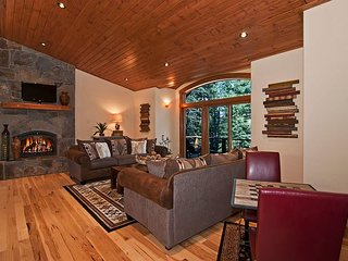 Rooney Ridge - Gorgeous 4 BR Luxury Home with Tree Filtered Lake View - Carnelian Bay vacation rentals