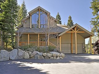 Squaw Valley Luxury 5BR 5 BA w/ Hot Tub and Stunning Views - Olympic Valley vacation rentals