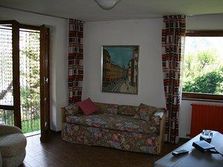 Grazioso bilocale con giardino - Chiesa In Valmalenco vacation rentals
