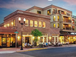 Downtown Bend Condo * In The Heart Of The City * WI FI & Sports Channels Incl. - Bend vacation rentals