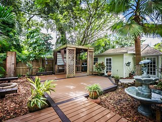 Seminole Heights Craftsman Bungalow and Cottage. Walk to Zoo, Eateries, Cafes - Tampa vacation rentals
