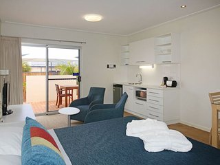 Furnished Studio apartment near beach - Geraldton vacation rentals