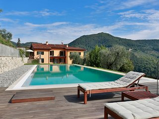 Nice Villa with Internet Access and Television - Mastiano vacation rentals