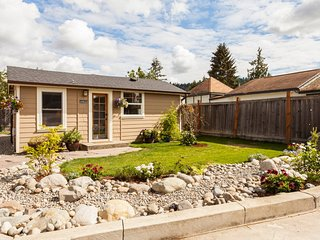 Bright House with Internet Access and A/C - Puyallup vacation rentals