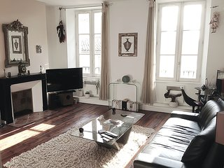 Spacious apartment in the hyper center,  3*** - Bordeaux vacation rentals
