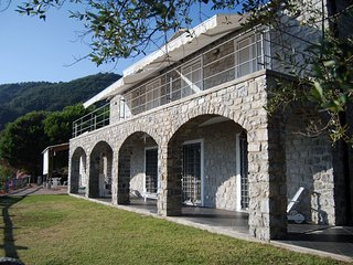 Dimora in pietra nel parco Cinque Terre Liguria - Framura vacation rentals