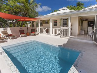 Le Carre Saint Louis, in the heart of Grace Bay - Grace Bay vacation rentals