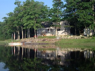 Secluded lake front home - Union vacation rentals