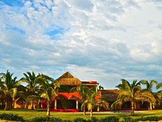Casa Tres Azules-Amazing Ocean Front Villa - Barra de Colotepec vacation rentals