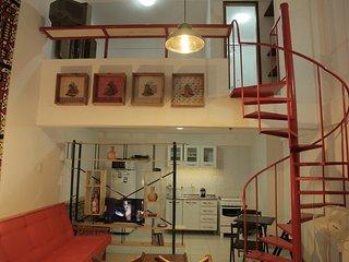 """1 """"La Buena Vida Apartamentos"""" Conforto e bom gosto no Recôncavo - Sao Felix vacation rentals"""
