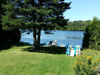 scenic lakefront cottage in Wentworth North - Wentworth Nord vacation rentals
