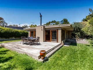Gorgeous 3 bedroom Portsea House with Television - Portsea vacation rentals