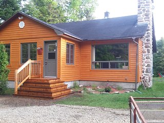 Nice 3 bedroom Cottage in Sainte Agathe des Monts - Sainte Agathe des Monts vacation rentals