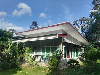 Bakkerresidence a vacation house in green area full furniture and internet wifi. - Huai Yot vacation rentals
