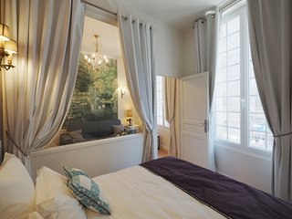 Nice Condo with Washing Machine and Television - 1st Arrondissement Louvre vacation rentals