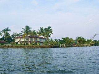 Water's Edge by Gateway Malabar A 6-bedroom villa - Maradu vacation rentals