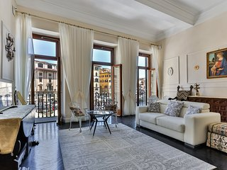 Signoria Suite Art Gallery - balcony amazing view - Florence vacation rentals