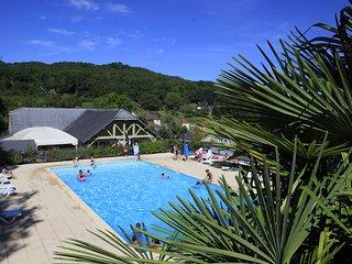 Location Vacances 6 personnes avec piscine proche Brive - Lissac-sur-Couze vacation rentals