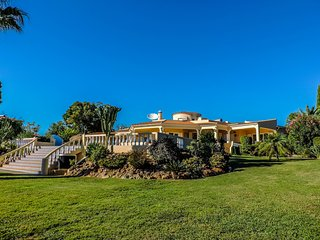 Perfect Villa with Internet Access and A/C - Lagoa vacation rentals
