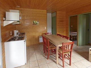 Location Vacances proche Puy du Fou avec piscine jusqu'a 6 personnes - Moncoutant vacation rentals