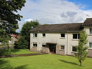 Mearns Kirk Apartment (sleeps 2) Free Car Parking - Newton Mearns vacation rentals