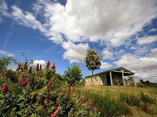 Location Vacances en Correze, Chalets avec piscine - Beynat vacation rentals