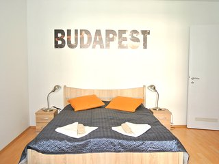 Over the Rainbow - Budapest vacation rentals