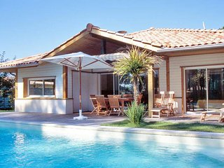 La Prade, Moliets, villa with private pool, sleeps 10 - Moliets et Maa vacation rentals