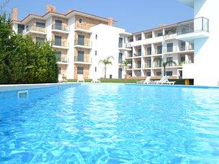 AVB AG - São Martinho do Porto - Modern T3/8 PAX apartment with shared pool - Sao Martinho do Porto vacation rentals