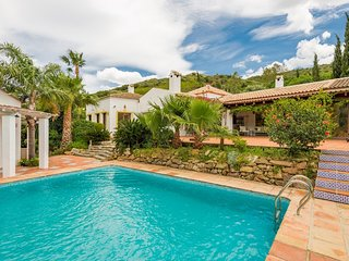 Stunning 5 Bedroom Spanish Style 4.000 sq ft Villa w Private Pool & Pool House - Estepona vacation rentals