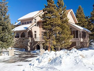 Perfect for families with close proximity to downtown Breck! Reduced Rates! - Breckenridge vacation rentals